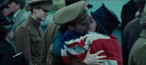Wonder Woman, a kiss to celebrate the end of WW1